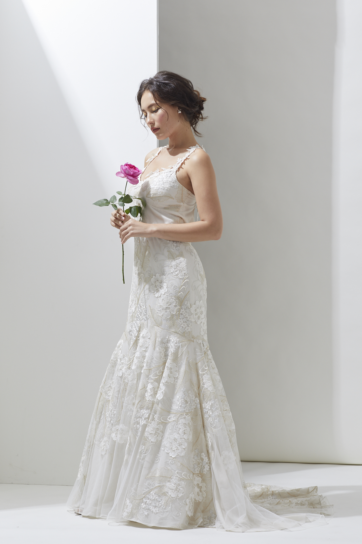 [RENTAL]Claire Pettibone[Devotion]