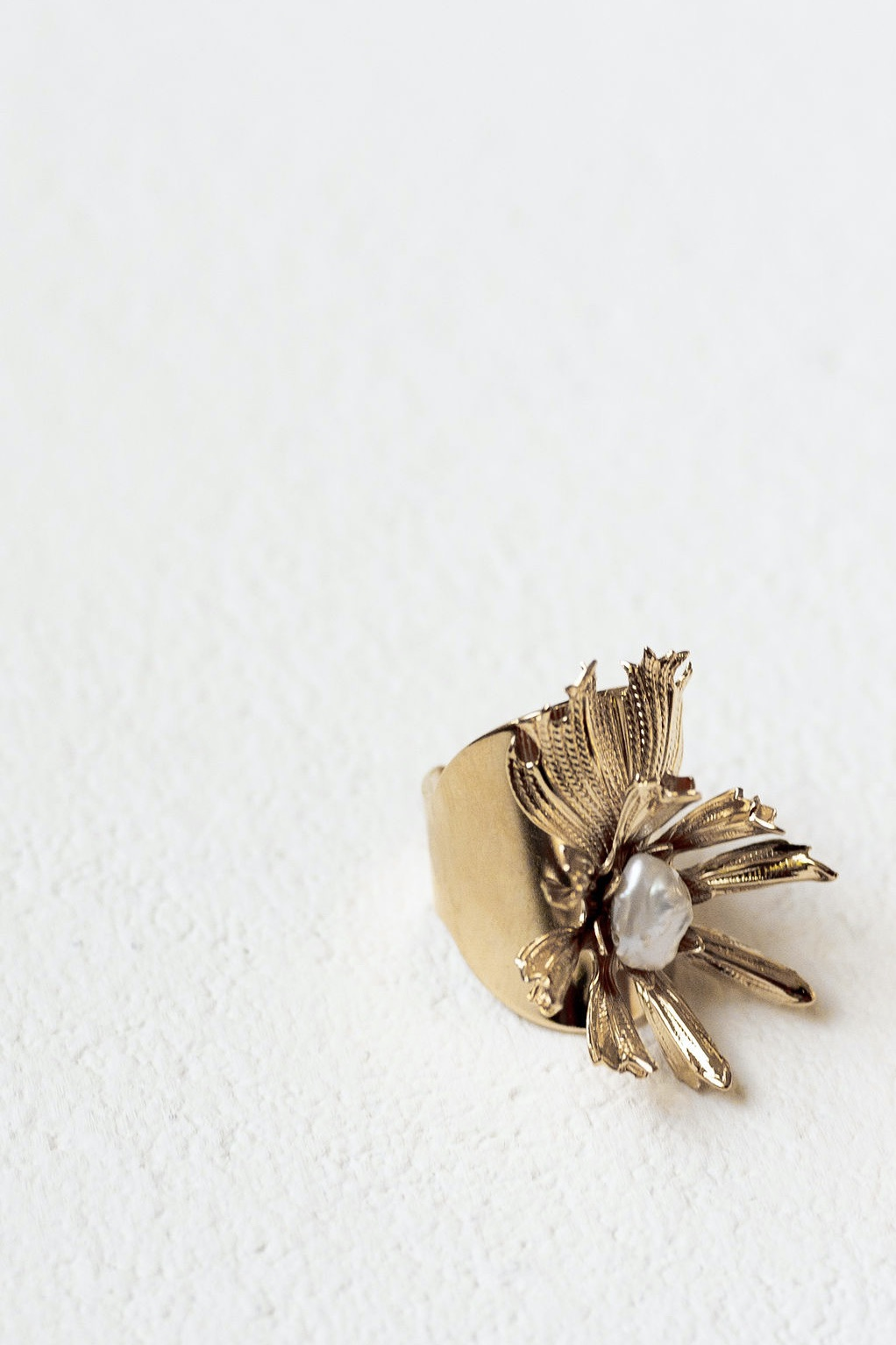 [SELL]A.B.ELLIE[Aster Ring]